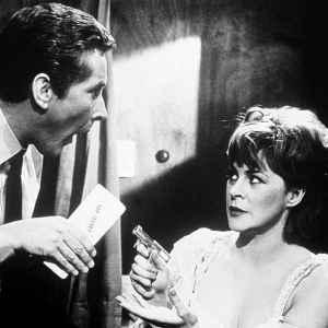 Szpiegu, do dzie�a 1964 recenzja filmu